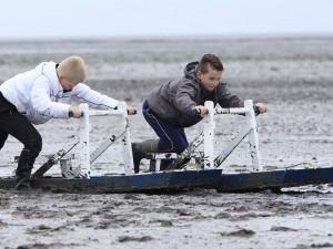 Jonge Max Verstappens volop in de race op het grijste en blubberigste circuit van Europa: UNESCO Werelderfgoed Waddenzee bij Moddergat.