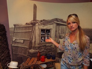 De regio Heerenveen-Oranjewoud is een land dat vroeger bittere contrasten tentoonspreidde: turfgravers woonden in lekke koude keten (Museum Opsterland in Gorredijk), de adel en veenexploitanten hadden vorstelijke onderkomens in de bossen van Oranjewoud (foto landhuis Oranjewoud) of het centrum van Heerenveen.